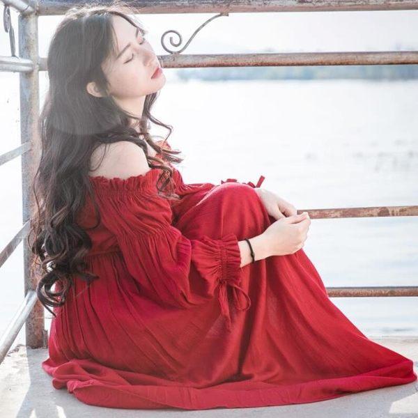 除舊佈新 2018秋季棉麻復古文藝紅色連身裙一字領泡泡袖收腰大擺仙女長裙