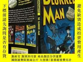 二手書博民逛書店THE罕見BLURRED MAN:模糊的人,Y200392