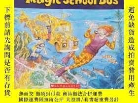 二手書博民逛書店The罕見Magic School Bus神奇的校車【5本書+6張光盤】Y209021 看圖 看圖