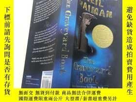 二手書博民逛書店The罕見Graveyard Book(英文原版)Y261601
