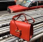 ■專櫃55折 ■Loewe  羅威 全新真品 Barcelona 巴塞隆納中型肩背包 新款付兩條肩帶 紅色