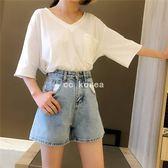 口袋拼接設計水洗牛仔短褲 CC KOREA ~ Q22463