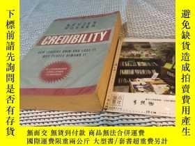 二手書博民逛書店英文原版罕見Credibility : how leaders