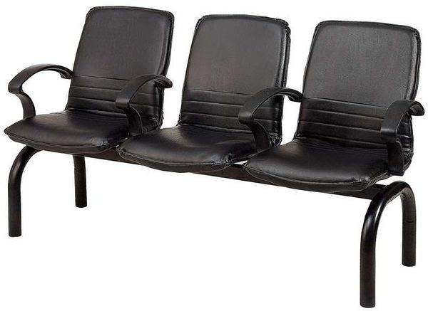 HP441-22 三人座扶手排椅(黑皮)