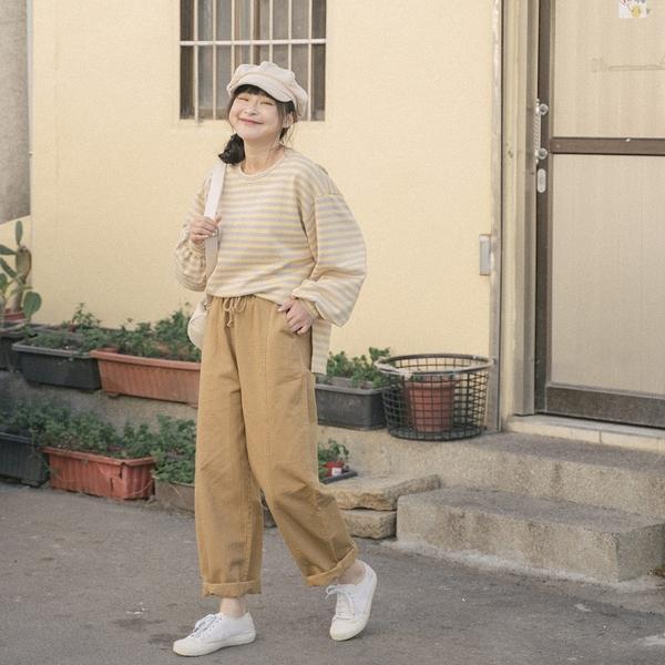 Queen Shop【04101530】車線設計抽繩休閒長褲 三色售 S/M*現+預*