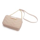 Petite Jolie  V字壓紋肩背鏈帶相機包-粉膚色