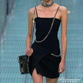 鏈條吊帶開叉洋裝秋季新品設計感顯瘦百搭小黑裙潮 黛尼時尚精品