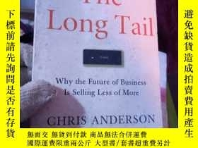 二手書博民逛書店The罕見Long Tail: Why the Future o