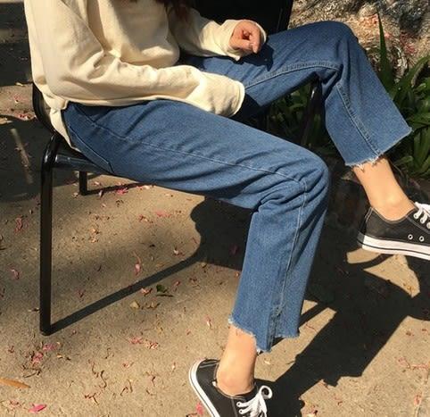 EASON SHOP(GU5385)韓版缺口撕邊毛邊抽鬚側開衩高腰藍色牛仔寬褲寬鬆女牛仔褲直筒褲九分褲藍色黑色