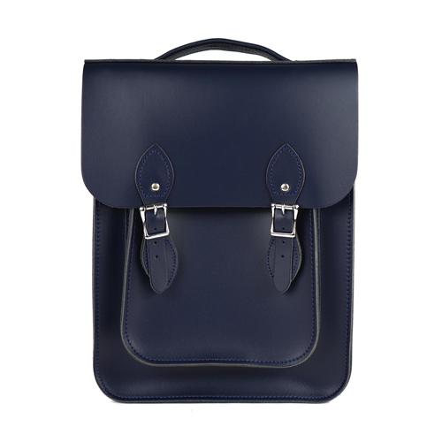 【The Leather Satchel Co.】英國原裝手工牛皮經典後揹包 手提包 後背包 新款磁釦設計(湖泊藍)