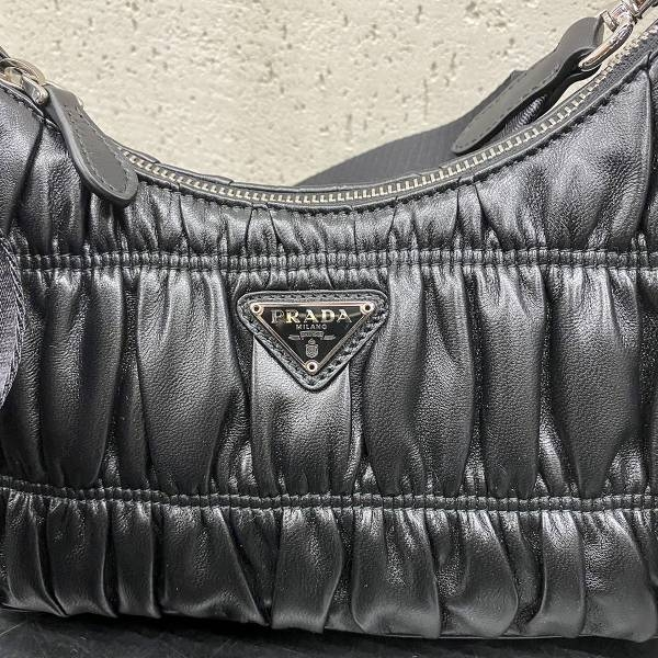 ■專櫃72折■全新真品 ■ Prada Re-Edition 1BH204 倒三角標Nappa 羊皮三合一多功能包