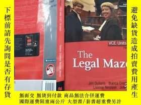 二手書博民逛書店THE罕見legal maze(VCE UNITS 1&2 )7