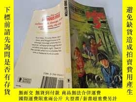 二手書博民逛書店Five罕見On A Hike Together:五個人一起遠足。Y200392