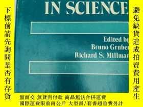 二手書博民逛書店symmetries罕見in science 籤贈本(S262)