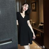 赫本小黑裙夏季V領小心機a字裙子氣質修身顯瘦短袖冷淡風洋裝女   芊惠衣屋