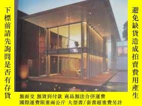 二手書博民逛書店25罕見Tropical Houses in Singapore