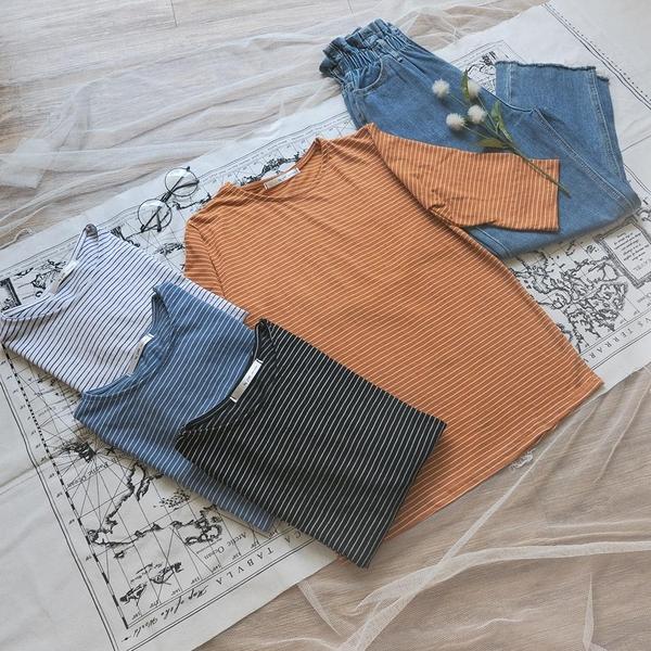 韓國女裝 休閒細條紋寬鬆圓領短袖上衣【C1010】