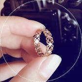 戒指 韓版時尚鈦鋼鍍18K玫瑰金鏤空花朵戒指尾戒女食指指環韓國J058 潮先生