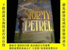 二手書博民逛書店(外文原版)罕見The Stormy PetrelY226952 Mary Stewart William M
