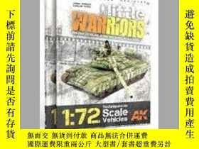 二手書博民逛書店Little罕見Warriors (slightly damaged)-小戰士(輕微傷害)Y414958