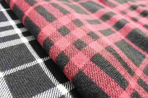 【YOUNGBABY】迷尼美背蕾絲V領羊毛絨格紋上衣.共2色