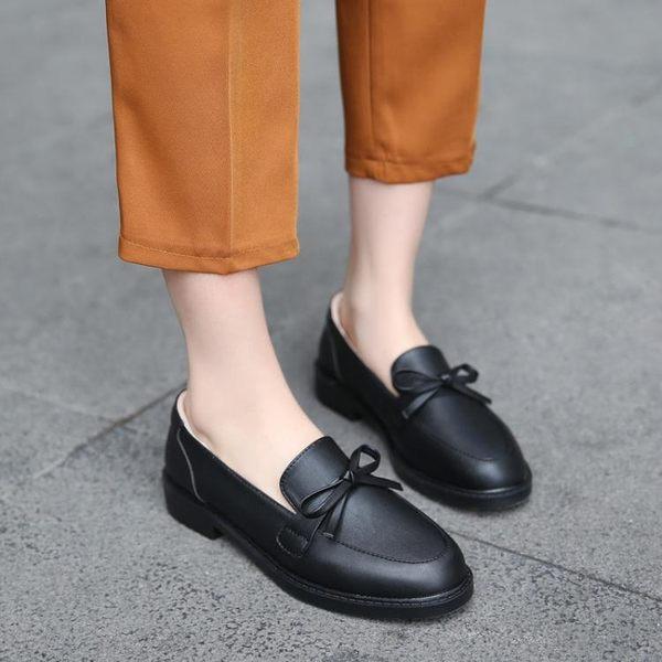 女牛津鞋 韓版女鞋子 女冬新款復古英倫風樂福鞋學生女鞋網紅加絨豆豆鞋小皮鞋《小師妹》sm3538