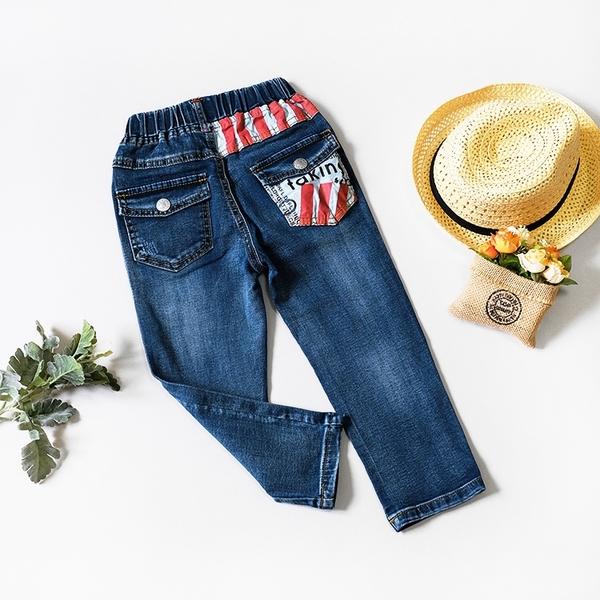英文字紅白條口袋牛仔褲 休閒 造型 可愛 長褲 牛仔褲 丹寧 男童裝 男童長褲 男童牛仔褲