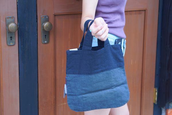 日本設計款藍灰相間棉麻布手提袋~夏綠蒂didi-shop