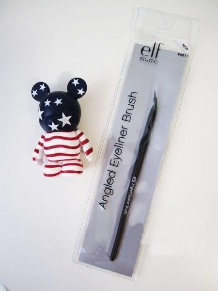 【愛來客 】Youtube達人推薦美國平價品牌ELF Angled Eyeliner Brush #84013精細斜角眼線刷化妝刷