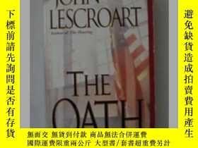 二手書博民逛書店英文原版小說罕見The Oath by John Lescroa