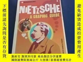 二手書博民逛書店Introducing罕見Nietzsche: A Graphi