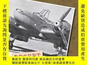 二手書博民逛書店Luftwaffe罕見Crash Archive Desert Special Volume 1 DUE MID