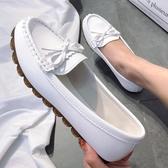 豆豆鞋女秋新款平底單鞋工作鞋軟底懶人一腳蹬媽媽白色護士鞋