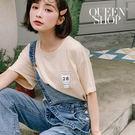 Queen Shop【01037868】日期貼布造型短袖圓領棉T*現+預*