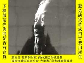 二手書博民逛書店The罕見First Emperor: China s Terr