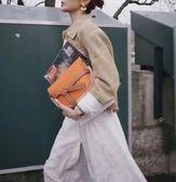 ■專櫃73折■現貨商品■2019全新真品 Loewe 馬鞍型小款 GATE 皮革緞帶斜背包 橙色/花朵