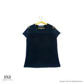 【INI】美感柔膚、拼接繡花蕾絲棉質上衣.黑色