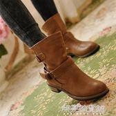 雪地靴外貿大碼秋冬女鞋歐美休閒中筒馬丁靴時尚機車靴英倫搭扣平底短靴解憂雜貨鋪