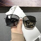 新款墨鏡男開車專用太陽鏡女潮人變色個性蛤蟆鏡司機駕駛眼鏡 糖糖女屋