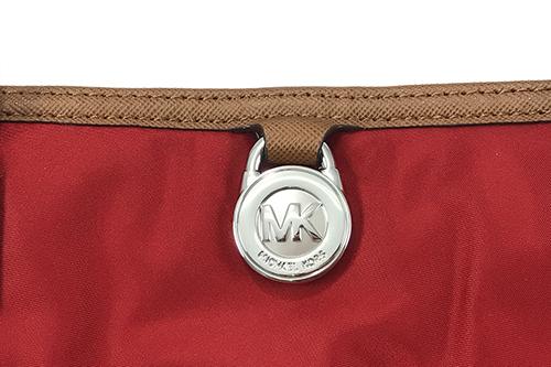 米菲客 Michael Kors MK 30S5SKPTIC 圓形LOGO設計 時尚素面 尼龍材質搭配皮革背帶 肩背包(紅)