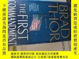 二手書博民逛書店THE罕見FIRST COMMANDMENT A THRILLERY3701 Brad Thor pocket