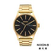 【官方旗艦店】NIXON SENTRY SS 潮流時尚 鋼錶帶 金黑
