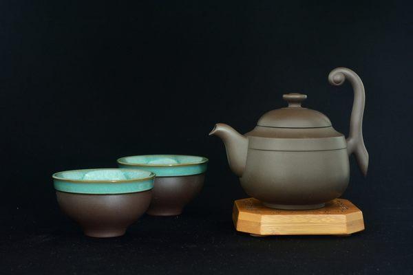 **捲雲飛天**  紫玉 (一壼二杯茶具組)  鄧丁壽-壼蝶窯設計《亞舍泥作》陶.瓷 茶具.茶葉專賣