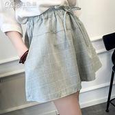 短褲 夏裝韓版棉麻格子短褲女寬鬆顯瘦學生闊腿裙褲休閒熱褲「Chic七色堇」