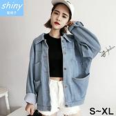 【V1995】shiny藍格子-風格穿搭.大口袋寬鬆長袖牛仔外套