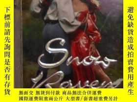 二手書博民逛書店英文原版罕見Snow Raven by Patricia McA