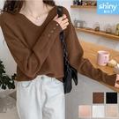 【V3286】shiny藍格子-柔暖冬織.純色V領排扣袖造型針織長袖上衣
