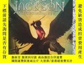 二手書博民逛書店The罕見Titan s Curse (Percy Jackso