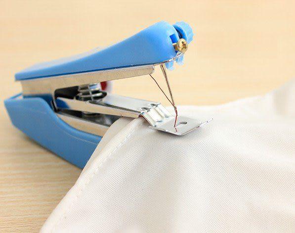 袖珍手動縫紉機 迷你縫紉機 便攜式縫紉機 隨機出貨【4G手機】