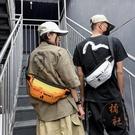 男士肩背包街頭潮流側背斜背包嘻哈胸包運動腰包【橘社小鎮】